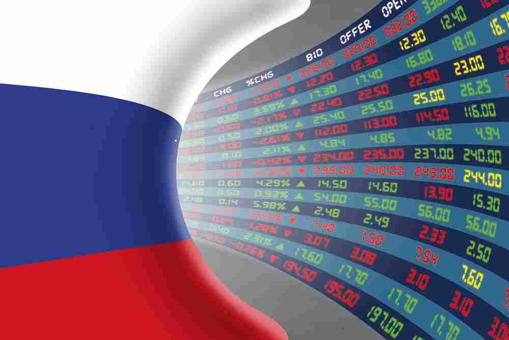 russia-flag-and-trading-screen